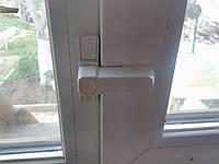 Усиленная  защита от выдавливания створки окна
