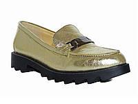 Женские кожаные туфли-лоферы на низком ходу (золотые)