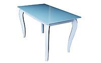 Стеклянные столы на деревянных ножках