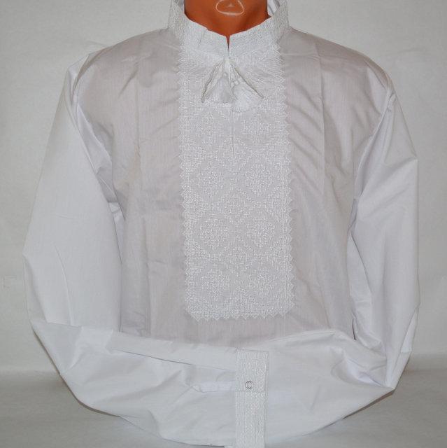 Белая рубашка с белой вышивкой