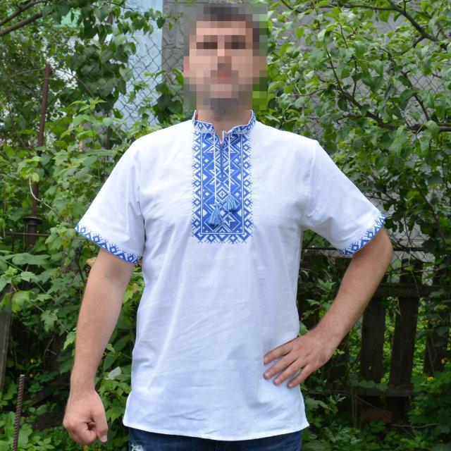 Вышитая мужская рубашка с коротким рукавом