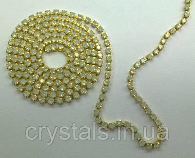 Стразовая цепь Preciosa (Чехия) ss8.5 White Opal/латунь