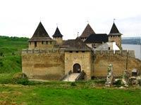 Тур - отдых в Закарпатье, средневековые фортификационые сооружения