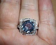 """Элегантное кольцо """"Квадро"""" со шпинелью, меняющей цвет и белыми сапфирами , размер 16,9 студия LadyStyle.Biz, фото 1"""