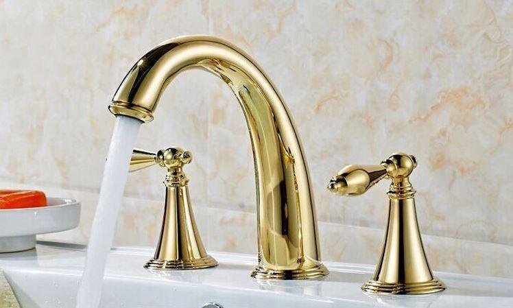 Смеситель кран двухвентильный золото для умывальника ванной комнаты