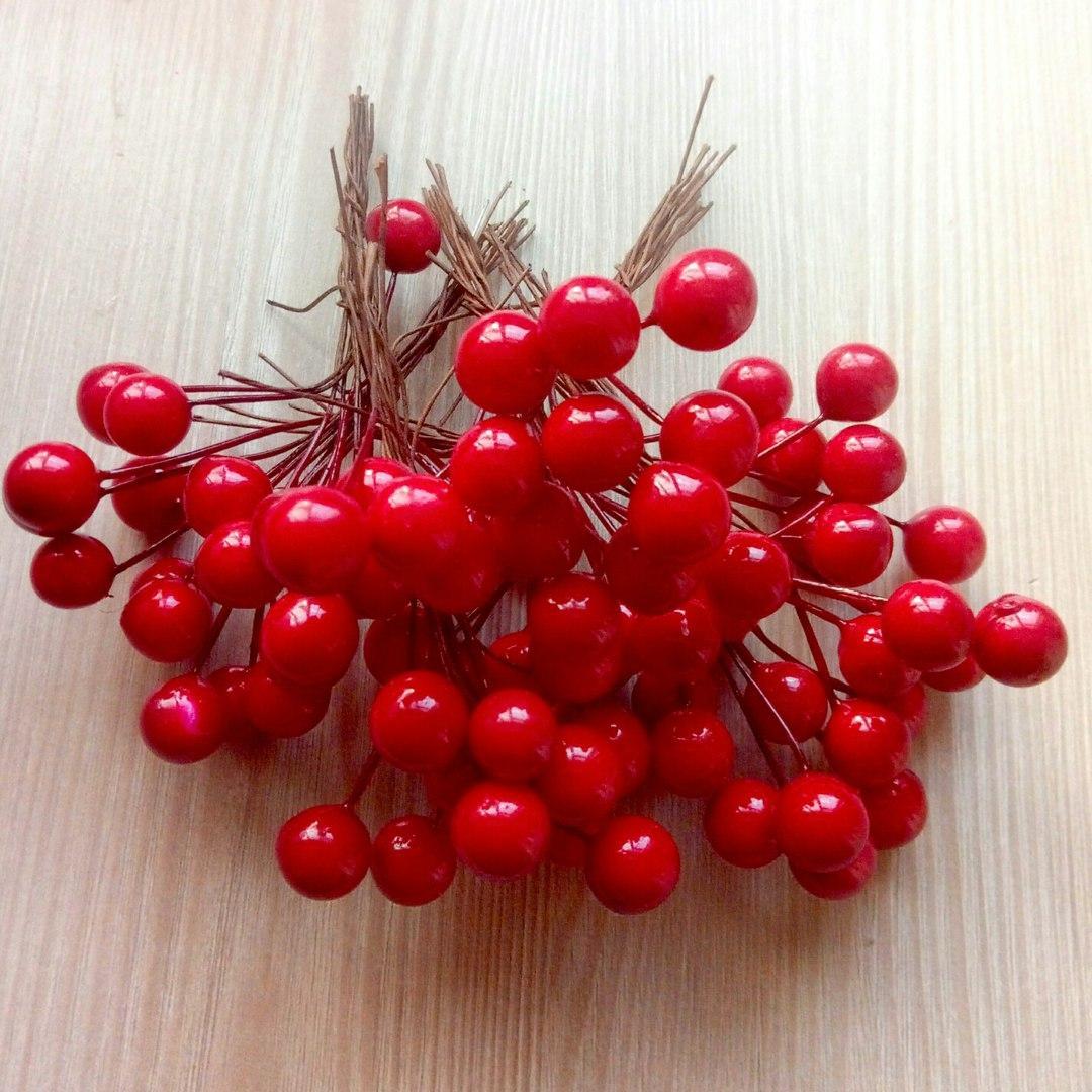 Тычинки ягоды красные 12 мм (10 ягод) (товар при заказе от 200 грн) - магазин-студия Цацки в Чернигове