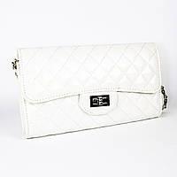 Белая лаковая сумочка из эко-кожи La Chance