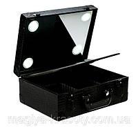 Профессиональный кейс для визажиста с подсветкой и зарядкой