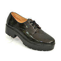 Женские замшевые туфли на утолщенной подошве на шнуровке. 36 размер