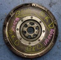 Маховик демпферный ( двухмассовый маховик ) VWPassat B6 2.0tdi 16V2005-201003G105266B (мотор BKD)