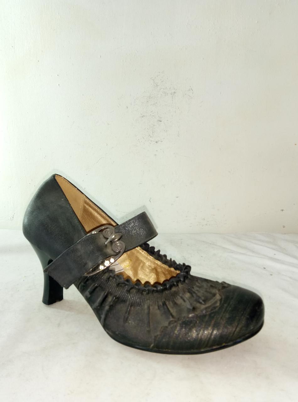 Туфли женские LOU