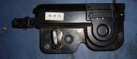 Ответная часть замка крышки багажника с доводчиком -07VWTouareg2002-20107L0827511B, 7L0827511C