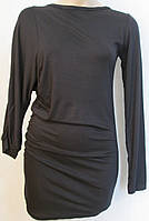 Оригинальное черное платье с ассиметричными рукавами. Италия