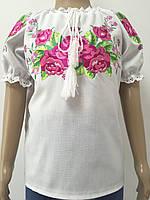 Сорочка для дівчинки вишита гладдю рожеві троянди з коротким рукавом Батист
