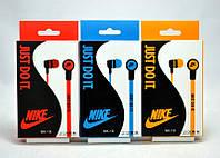Вакуумные наушники Nike 18