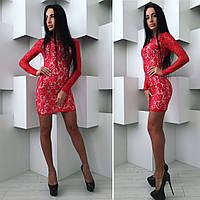 Женское красное платье с кружевом