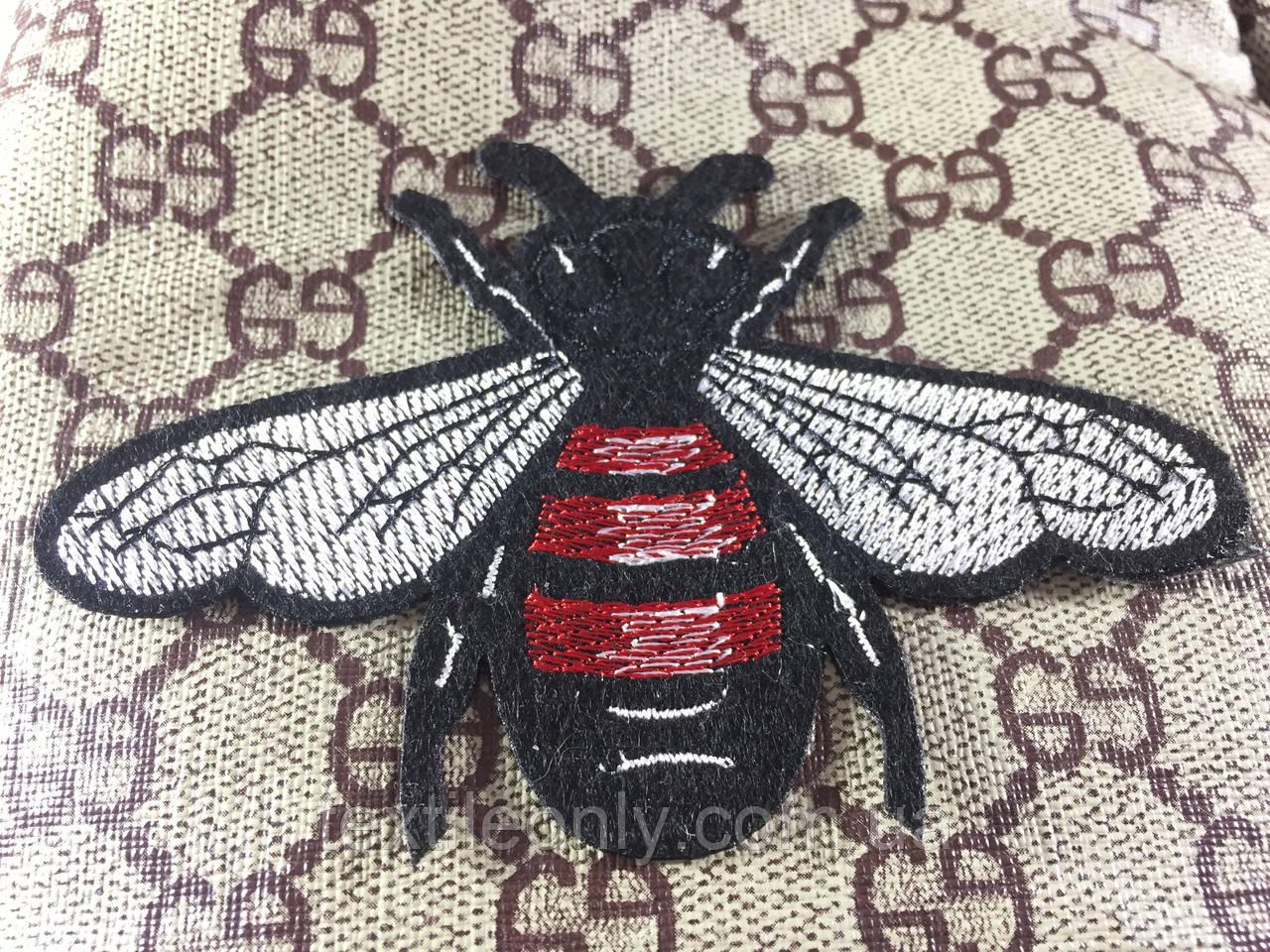 Нашивка пчела 110х80 мм