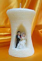 """Свеча свадебная """"Песочные часы с фигуркой"""". Цвет: Белая. Высота: 10см."""