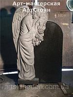 Памятник на могилу в виде ангела. Ангел из гранита  №12