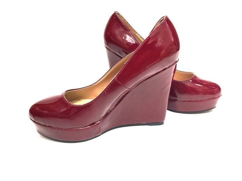 Женские туфли на платформе, красного цвета  размеры 35-39