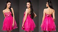 Элегантное женское платье с пышной фатиновой юбкой, пояс украшен бантиком. Цвет малиновый