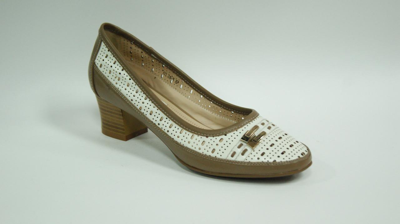 Туфлі жіночі з перфорацією