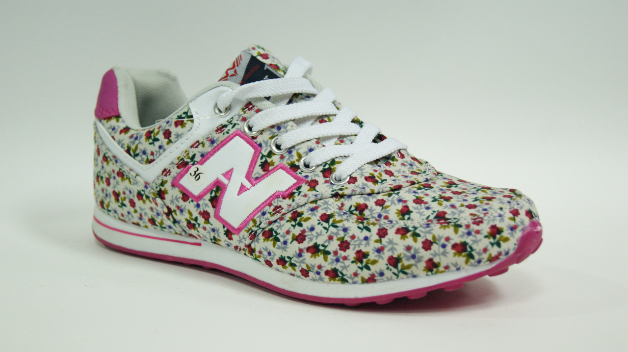 Кросівки жіночі в дрібну квіточку