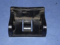 Фиксатор багажника правый MR216744 Mitsubishi galant