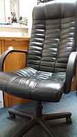 Директорское кожанное кресло