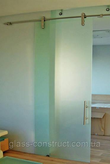 Стеклянная дверь одностворчатая раздвижная открытого типа из матового закаленного стекла