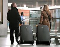 Спешим купить чемодан к лету