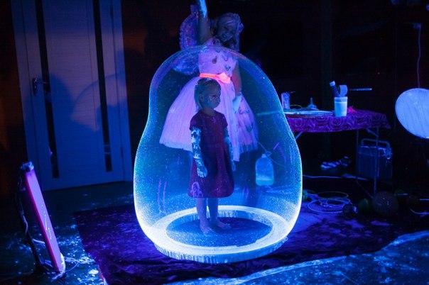 Шоу мыльных пузырей,неоновые мыльные пузыри,КИЕВ ,шоу неоновых пузырей,в Киеве,светящиеся мыльные пузыри