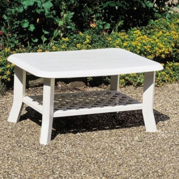 Стол садовый Niso белый (в саду)