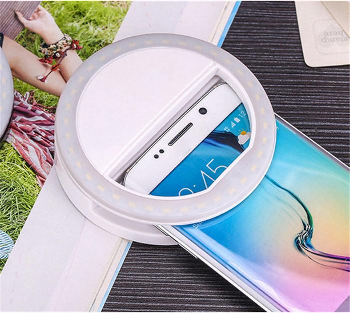 Селфи - фонарик белого цвета в виде кольца для смартфонов