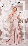 """Элегантное женское длинное платье силуэт """"рыбка"""", с красивым пышным шлейфом. Цвет бежевый"""