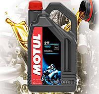Минеральное масло для 2-х тактных двигателей мотоцикла Motul 100 2T (4л)