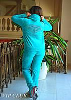 Спортивный костюм Diamonds из велюра, кофта на молнии декорирована стразами на спине, штаны с карманами.