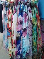 Яркий женский весенний платок шарф