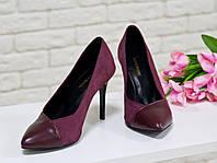 Туфли на каблуке из натуральной замши и кожи бордового цвета