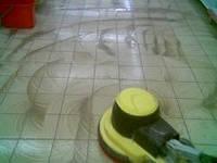 Уборка после ремонта и строительства, удаление остатков цемента, краски и т. д.
