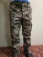 Камуфляжные мужские штаны под ремень.