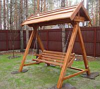 Деревянная садовая качеля для дачи
