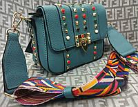 Модная женская сумка-клатч с цветной ручкой цвет голубой