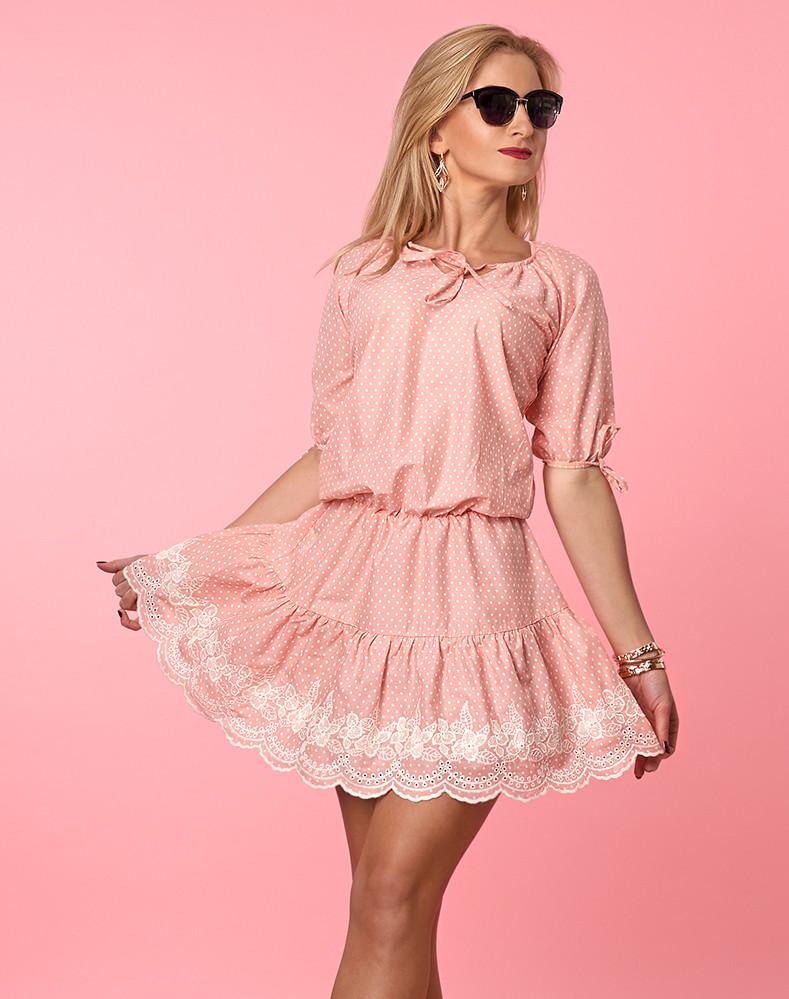 Модель легкого женского платья