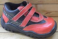 Детские кожаные кроссовки размеры 22 и 24