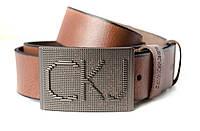 Стильный ремень для мужчин в коричневом цвете с элегантной пряжкой в стиле Calvin Klein (11236)