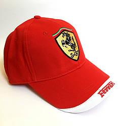 Кепка в стиле Ferrari красная