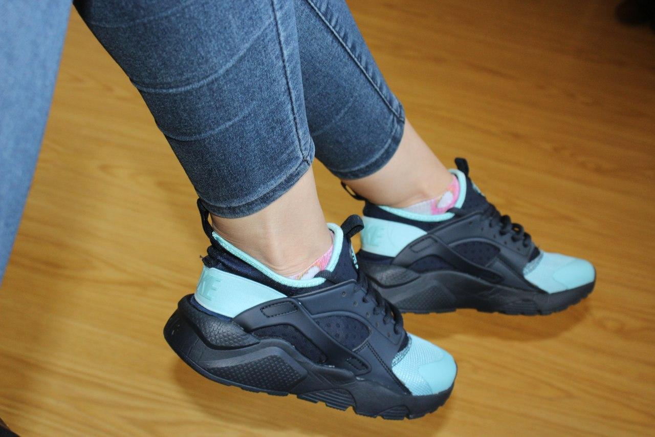 Женские кроссовки Nike Air Huarache черные с мятным 37р