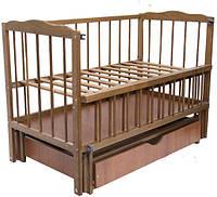 Детская кроватка Малыш ( орех), с откидной боковинкой на маятнике с  ящиком, фото 1