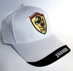 Бейсболка в стиле Ferrari белая